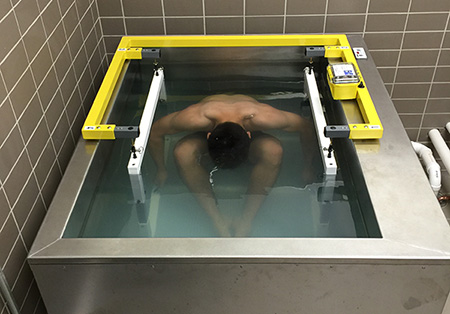 Underwater weighing with an EXERTECH stainless steel tank.